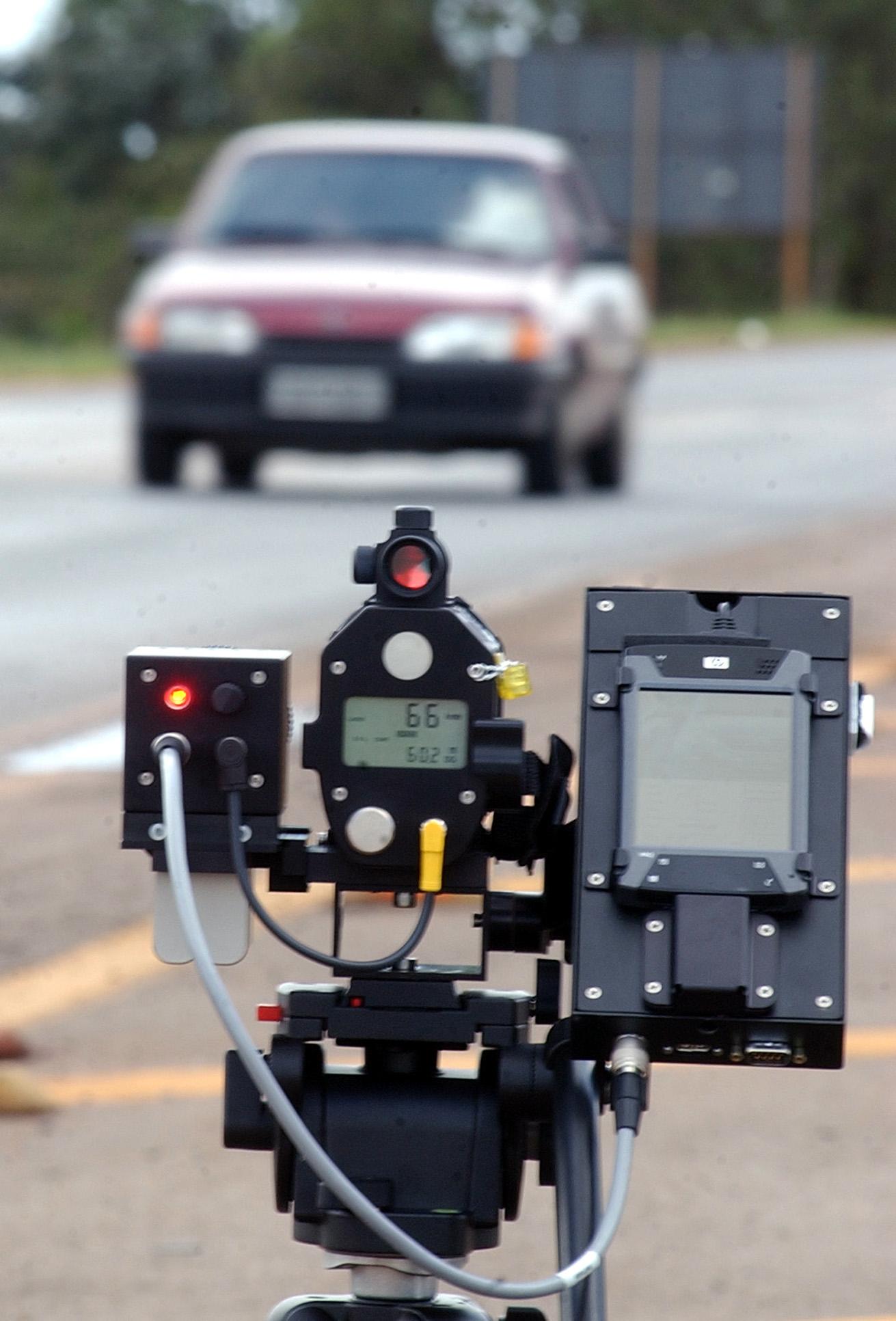 камеры ловят на скорость