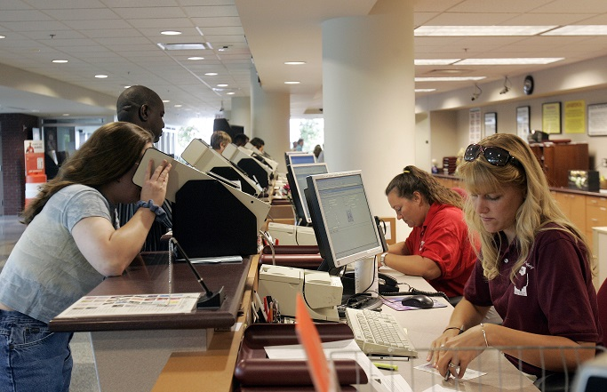 Fl drivers license exam too difficult video newstalk for Florida state department of motor vehicles orlando fl