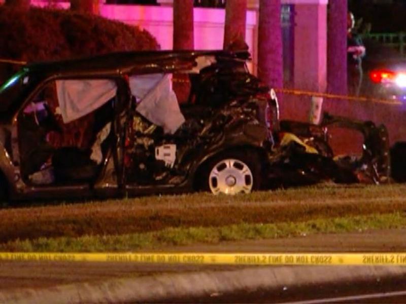 2 adults killed in car crash