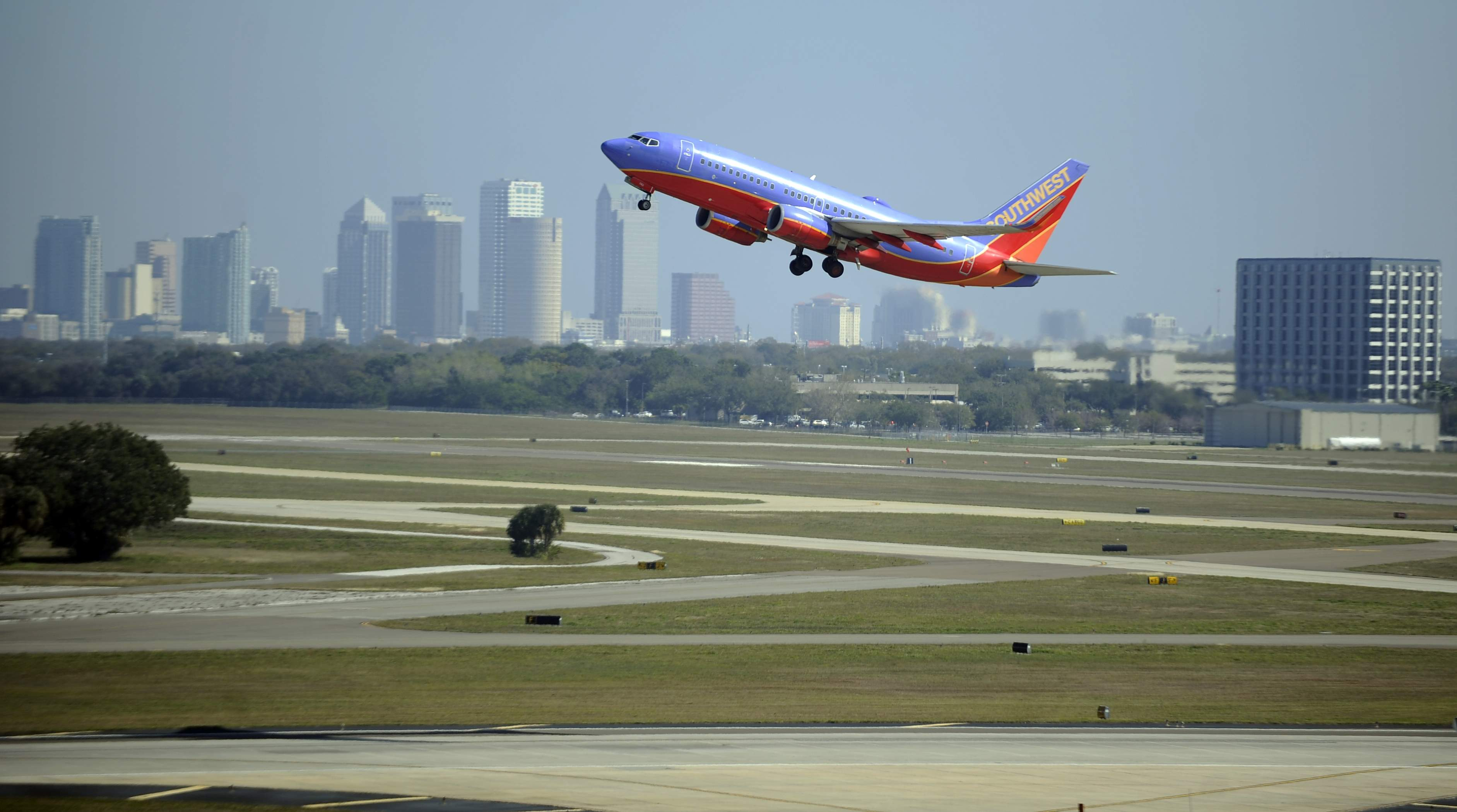Airlines that fly to cancun from sfo