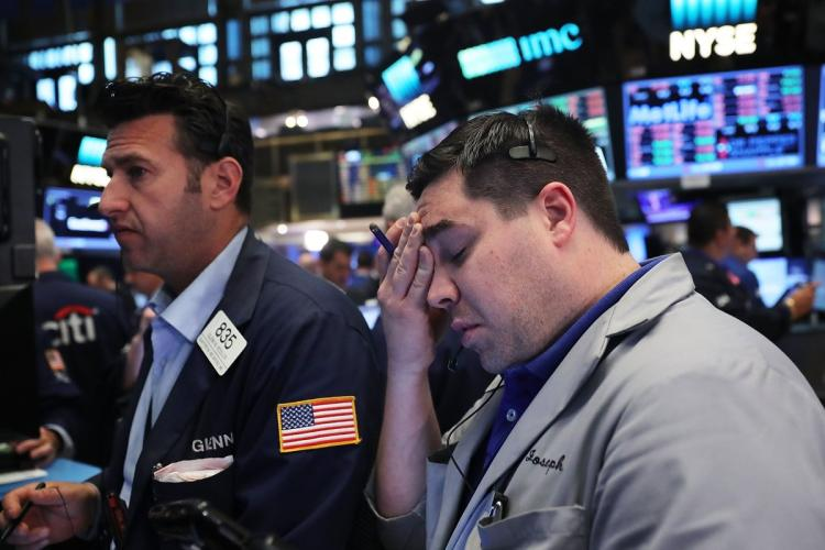 Stock markets continue to fall amid interest rate hike fears